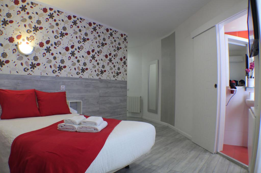 hostal-madrid-sol-habitacion-matrimonio-2